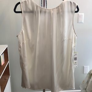 Off white blouse / shell